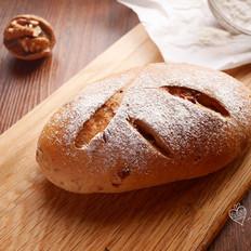 葡萄干核桃全麦包