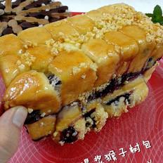 蓝莓爆浆猴子面包