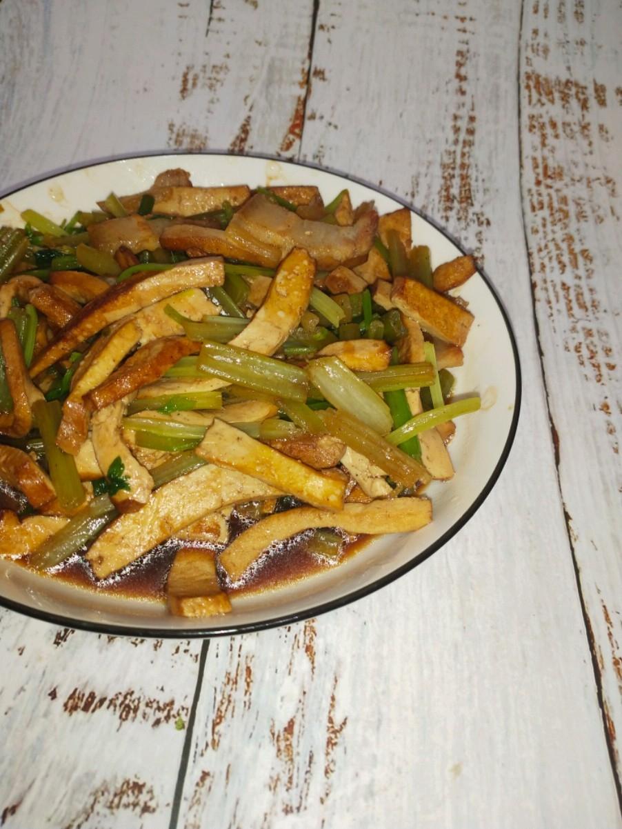 香干炒芹菜