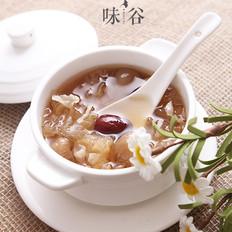 桂圆红枣莲子银耳糖水
