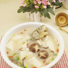 香菇豆腐鲫鱼汤