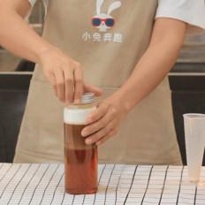 奈雪新品冻顶鸳鸯的做法——小兔奔跑奶茶教程