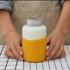 小兔奔跑奶茶教程:素匠泰茶泰椰奶花的做法