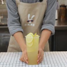小兔奔跑网红奶茶芒果脏脏茶的做法