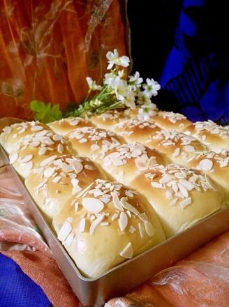 一次性发酵淡奶油小餐包的做法