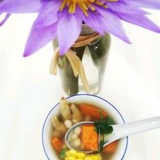 鸡爪芡实玉米汤