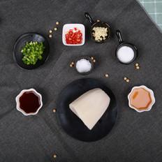凉拌藕丁——夏日里的爽口凉菜