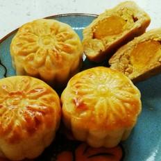 蛋黄绿豆沙月饼