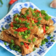 用砂锅焗出香味飘逸的沙茶酱鸡翅