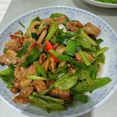 家常青椒炒五花肉