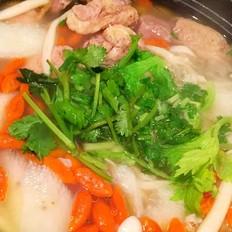 山药菌菇枸杞鸭子汤