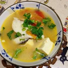 番茄豆腐炖潮白黑鱼汤
