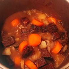 萝卜土豆炖牛肉