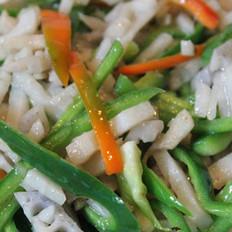 藕丝炒青椒的做法
