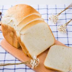 面包机做鸡蛋牛奶吐司