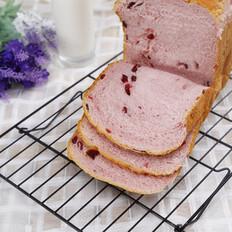 奶香浓郁紫薯面包