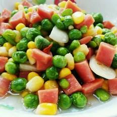 火腿肠炒豌豆玉米粒