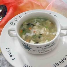 年夜饭桌上的暖胃汤,银鱼豆腐羹