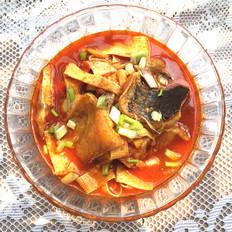 红酸汤煮鱼