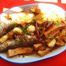 酱焖鲅鱼豆腐