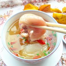 白萝卜煲猪蹄汤