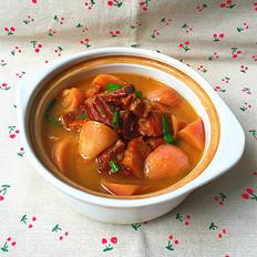 红皮萝卜焖腊猪腿肉