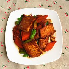 回锅豆腐胡萝卜片
