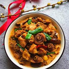 黄花菜焖烧土鸡