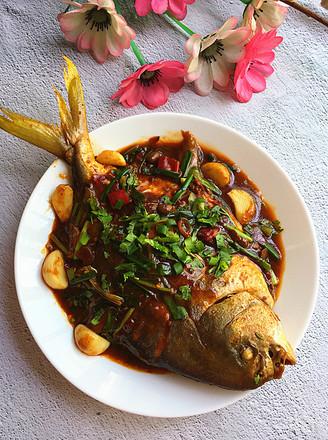 黄豆酱烧鲳鱼的做法