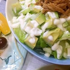 蔬菜牛油果色拉