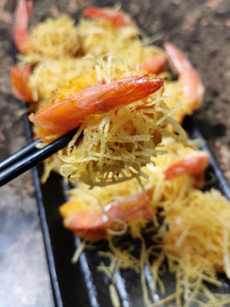酥炸金丝凤尾虾