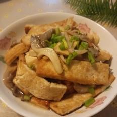 豆腐炒苹菇