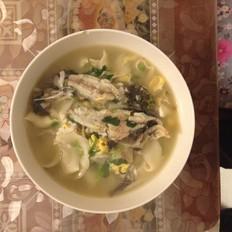 黄辣丁烩面条