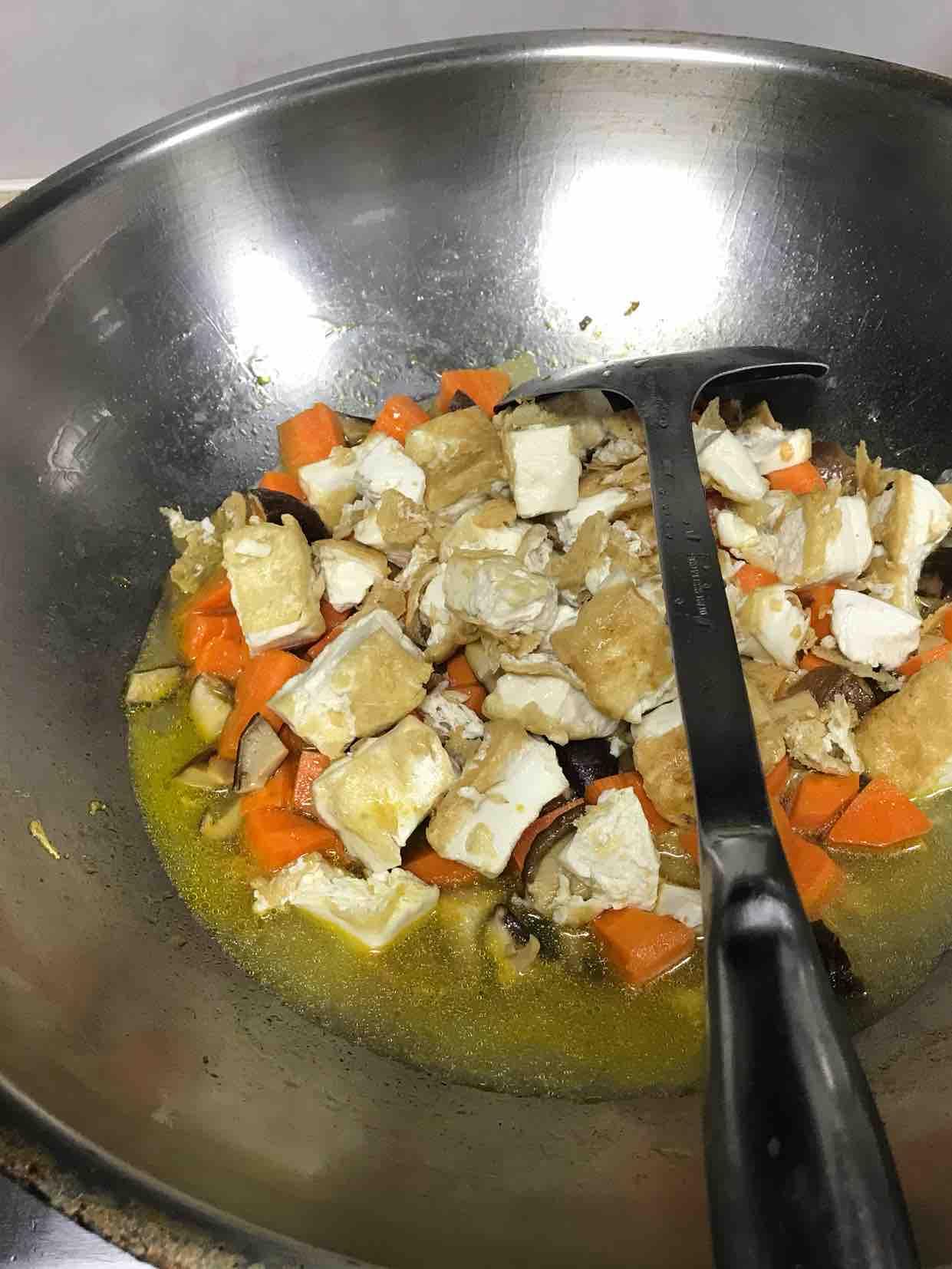 胡萝卜香菇烧豆腐
