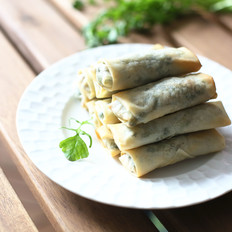 荠菜鲜肉春卷