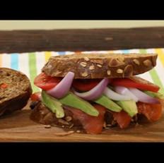 瘦身牛油果三明治