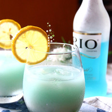 乳酸菌蓝玫瑰鸡尾酒