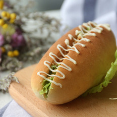 生菜香脆花生沙拉面包