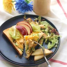 芝士蛋吐司片配蔬果沙拉