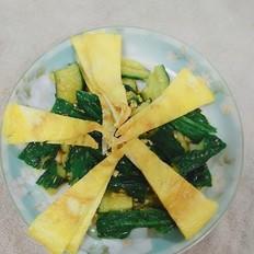 鸡蛋饼拌黄瓜的做法
