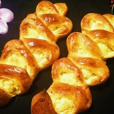 椰蓉麦穗面包