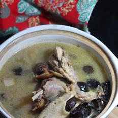 香菇黑木耳炖鸡