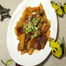 五花肉炒土豆条