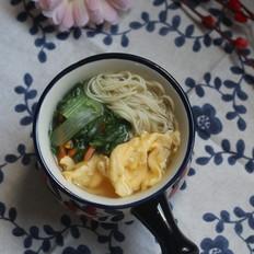 鸡蛋青菜高汤面