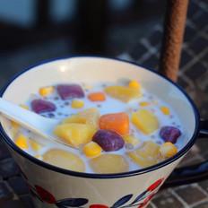 黄桃玉米芋圆甜汤