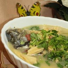 豆腐条煲鲫鱼汤