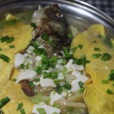 蛋饺鲫鱼汤
