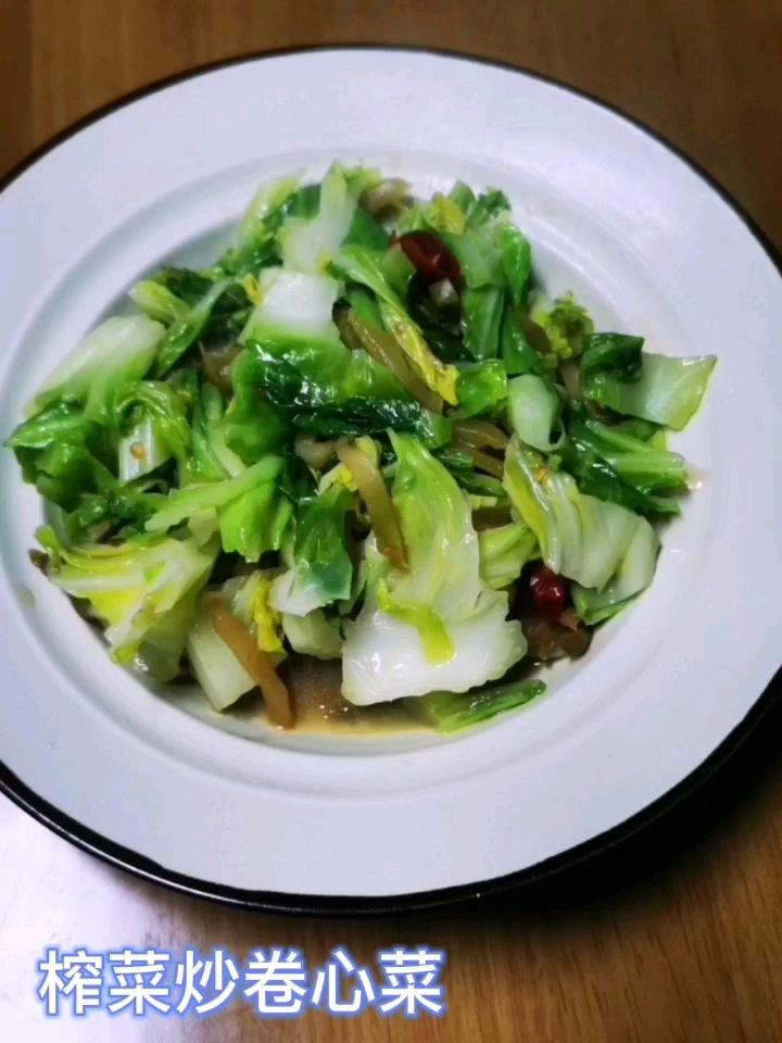 榨菜炒卷心菜的做法