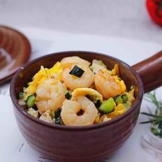 黄瓜虾仁杂粮蛋炒饭的做法