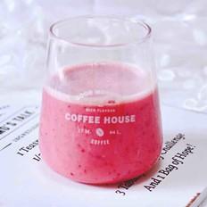 车厘子草莓冰奶昔